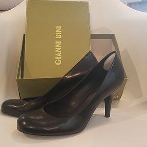 Black Gianni Bini leather heels pumps 9 nwot